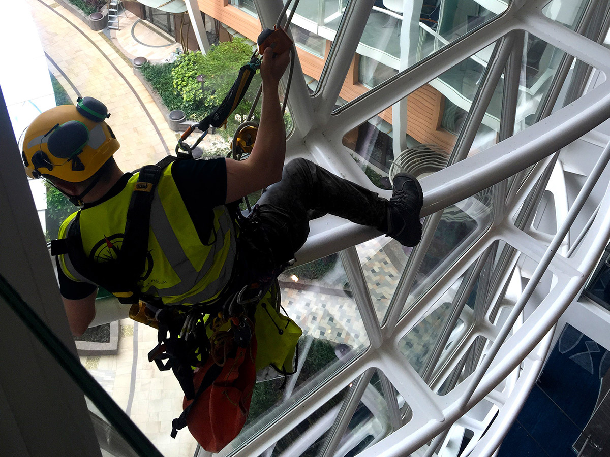 What it takes to be a rope access technician (Image)